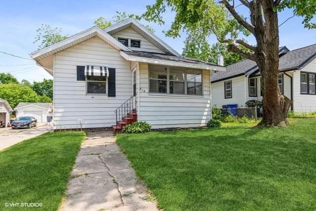 818 18TH ST SE, Cedar Rapids, IA 52403 (MLS #2105836) :: The Graf Home Selling Team