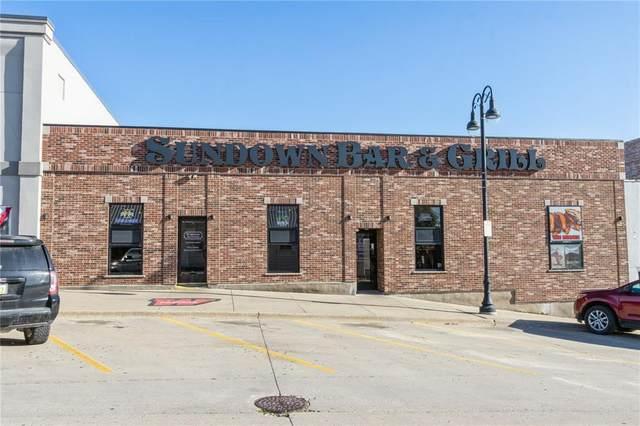 114/112 W State Street, Williamsburg, IA 52361 (MLS #2105929) :: The Graf Home Selling Team
