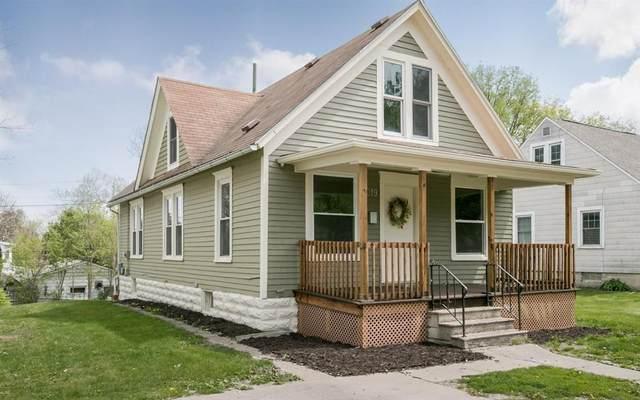 319 12th Street SW, Cedar Rapids, IA 52404 (MLS #2106009) :: The Graf Home Selling Team