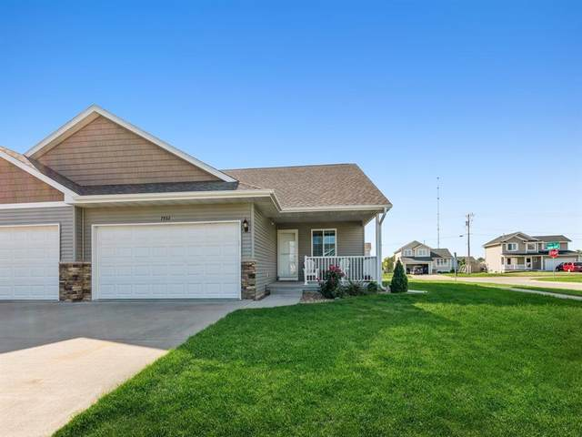 7402 Summerset Avenue NE, Cedar Rapids, IA 52402 (MLS #2106364) :: The Graf Home Selling Team