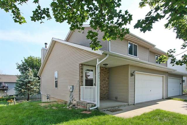 2251 11th Street, Coralville, IA 52241 (MLS #2106388) :: The Graf Home Selling Team
