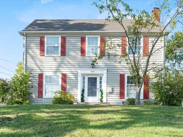 1920 Blake Boulevard SE, Cedar Rapids, IA 52403 (MLS #2106540) :: The Graf Home Selling Team