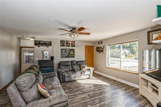 611 S Devoe Street, Lone Tree, IA 52755 (MLS #2106541) :: The Graf Home Selling Team