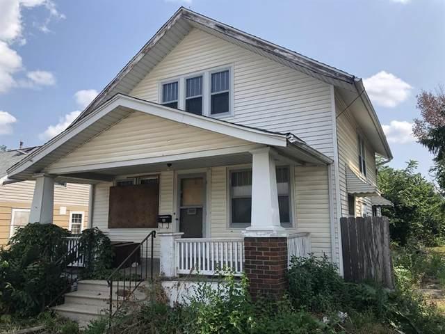 2007 J Street SW, Cedar Rapids, IA 52404 (MLS #2106549) :: The Graf Home Selling Team