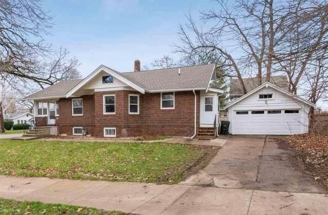2601 1st Avenue SE, Cedar Rapids, IA 52402 (MLS #2106553) :: Lepic Elite Home Team