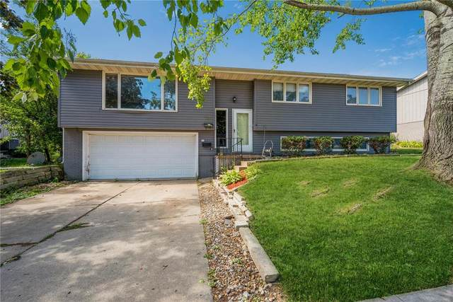 136 Echo Lane NW, Cedar Rapids, IA 52405 (MLS #2106555) :: The Graf Home Selling Team