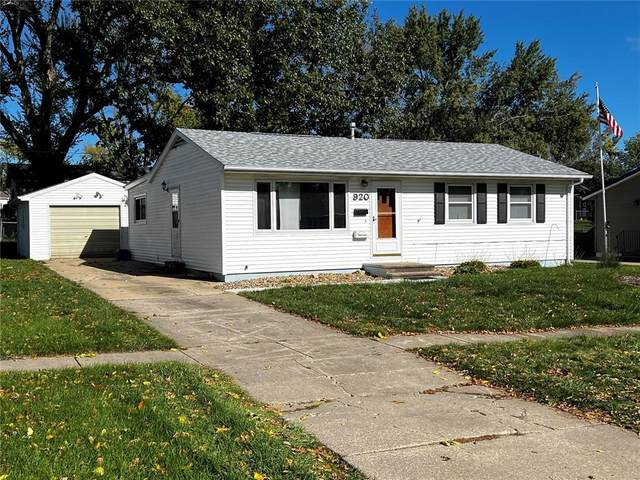 920 W 8th Ave, Marion, IA 52302 (MLS #2106561) :: Lepic Elite Home Team