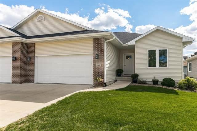 709 Dorchester Place NE, Cedar Rapids, IA 52402 (MLS #2106601) :: Lepic Elite Home Team