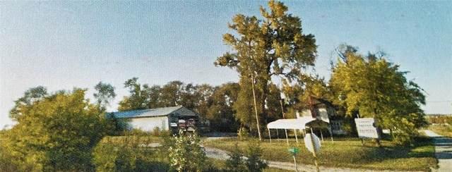 300 N Union Avenue, Urbana, IA 52345 (MLS #2106603) :: The Graf Home Selling Team