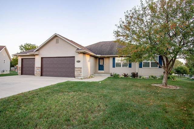 624 Crestview Court, Center Point, IA 52213 (MLS #2106792) :: The Graf Home Selling Team