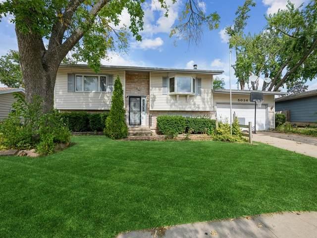 5036 1st Avenue NW, Cedar Rapids, IA 52405 (MLS #2106858) :: The Graf Home Selling Team