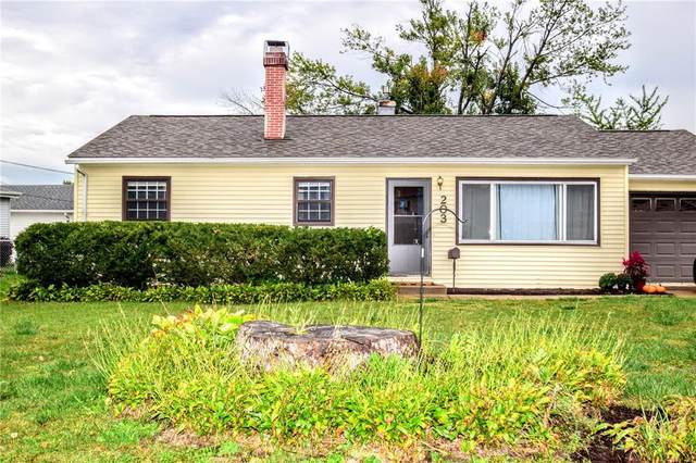 203 7th Avenue, Hiawatha, IA 52233 (MLS #2106996) :: The Graf Home Selling Team