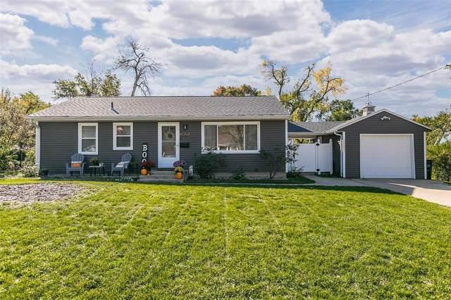 2825 14th Avenue SE, Cedar Rapids, IA 52403 (MLS #2107250) :: The Graf Home Selling Team