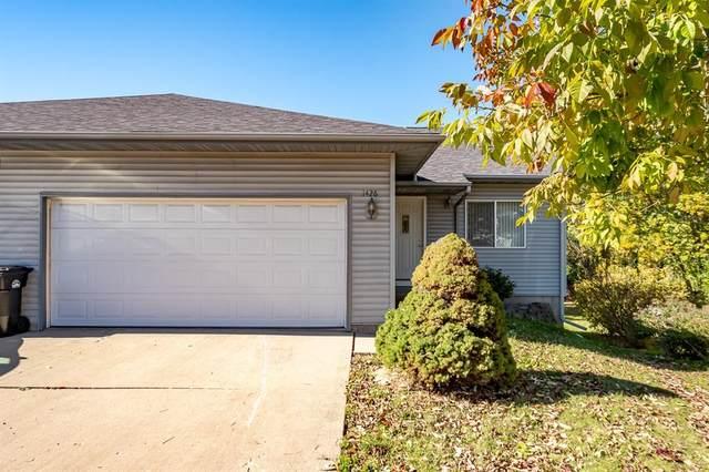 1426 Denali, Coralville, IA 52241 (MLS #2107253) :: The Graf Home Selling Team