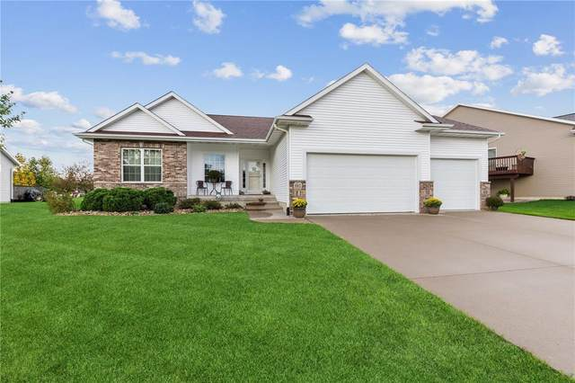 917 Palmyra Drive NE, Cedar Rapids, IA 52402 (MLS #2107255) :: The Graf Home Selling Team