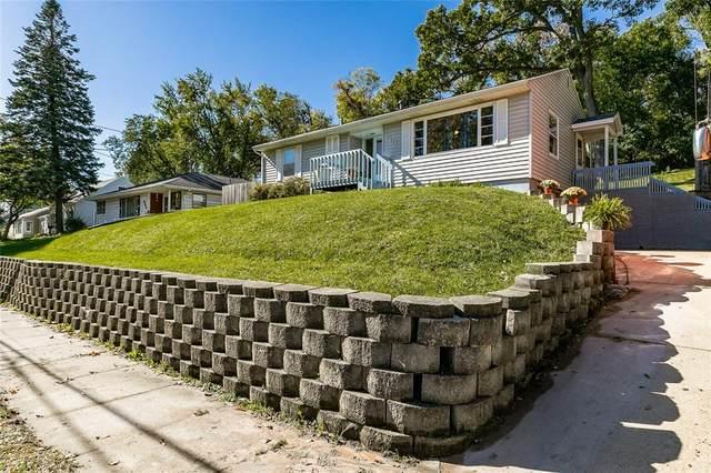 910 13th St. Nw, Cedar Rapids, IA 52405 (MLS #2107278) :: The Graf Home Selling Team