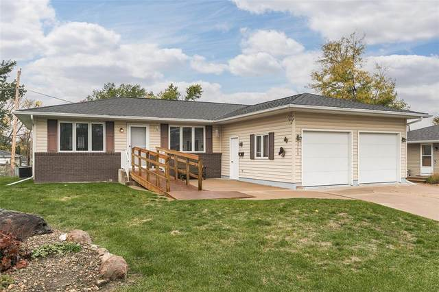 2700 24th Street, Marion, IA 52302 (MLS #2107366) :: The Graf Home Selling Team