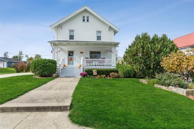 402 Grand Avenue SW, Shellsburg, IA 52332 (MLS #2107391) :: The Graf Home Selling Team