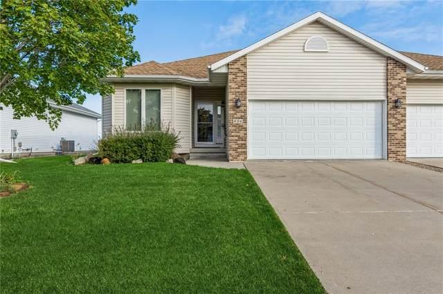 806 Dorchester Place NE, Cedar Rapids, IA 52402 (MLS #2107437) :: The Graf Home Selling Team