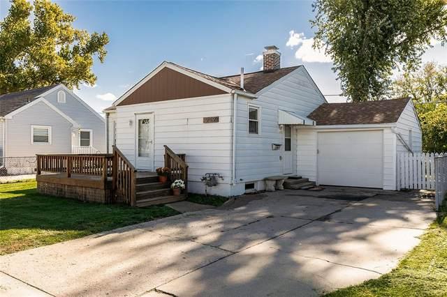 909 O Avenue NW, Cedar Rapids, IA 52405 (MLS #2107438) :: The Graf Home Selling Team