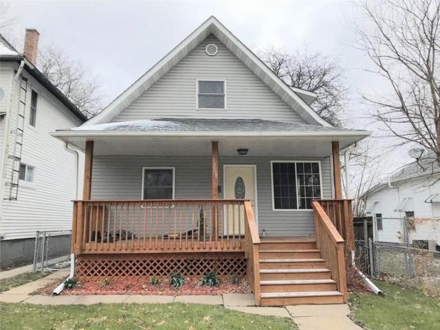 1208 B Avenue NW, Cedar Rapids, IA 52405 (MLS #1802498) :: The Graf Home Selling Team