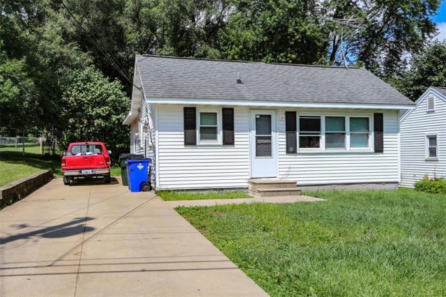 2320 Fruitland Boulevard SW, Cedar Rapids, IA 52404 (MLS #1805042) :: The Graf Home Selling Team