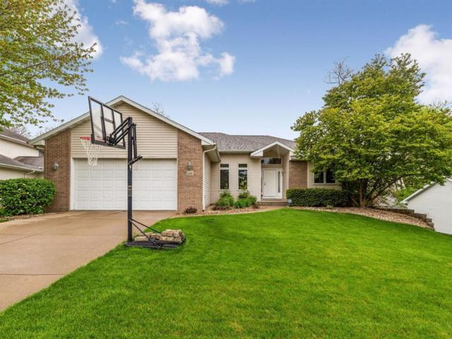 135 Pine Crest Drive, Robins, IA 52328 (MLS #1903598) :: The Graf Home Selling Team