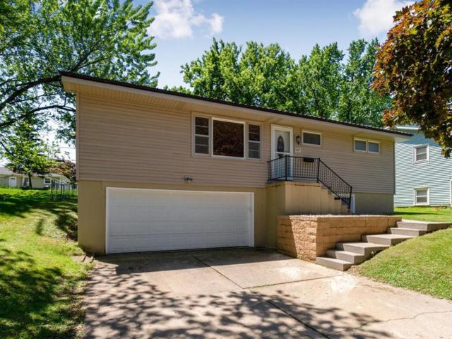 3217 Ravenwood Terrace, Cedar Rapids, IA 52405 (MLS #1904213) :: The Graf Home Selling Team