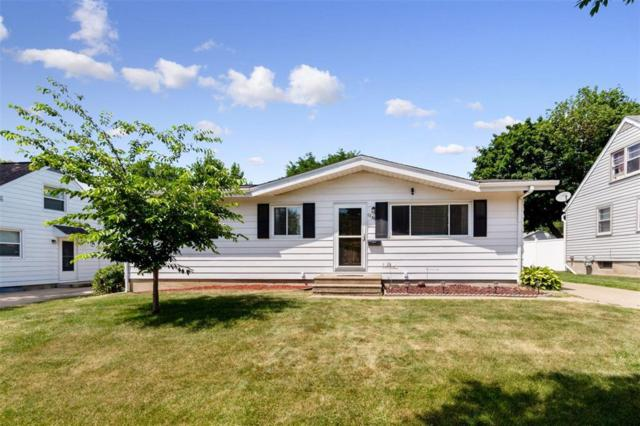 1720 Hollywood Boulevard NE, Cedar Rapids, IA 52402 (MLS #1905250) :: The Graf Home Selling Team