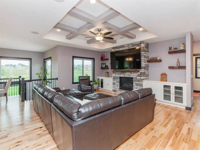 757 Eastview Avenue, Marion, IA 52302 (MLS #1907186) :: The Graf Home Selling Team