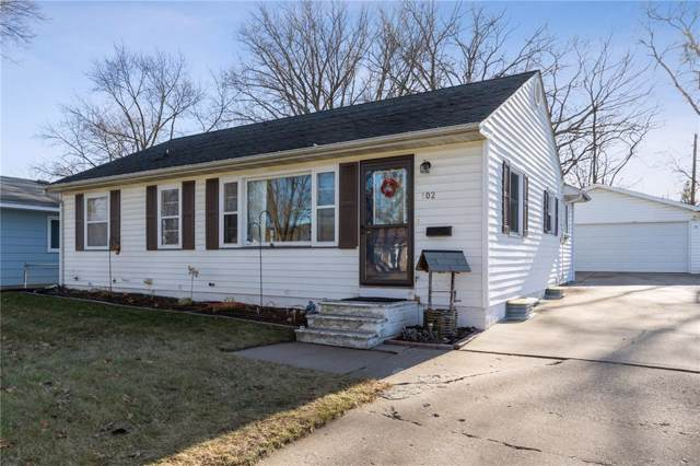 102 East Willman Street, Hiawatha, IA 52233 (MLS #1908595) :: The Graf Home Selling Team
