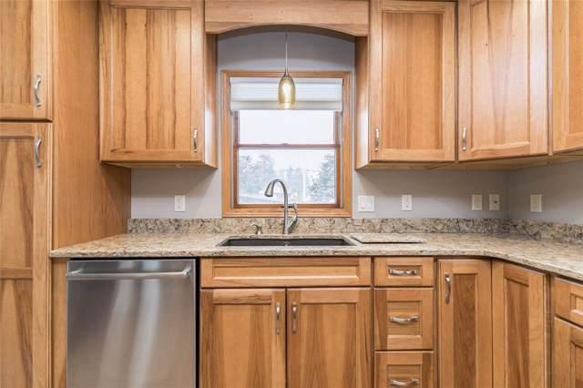 817 22nd Avenue SW, Cedar Rapids, IA 52404 (MLS #2000346) :: The Graf Home Selling Team