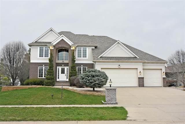 570 Landau Street, Robins, IA 52328 (MLS #2001022) :: The Graf Home Selling Team