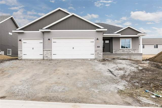 1701 Bobcat Drive NW, Cedar Rapids, IA 52405 (MLS #2002011) :: The Graf Home Selling Team