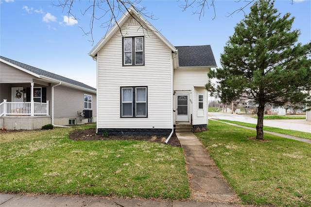 800 10th Street SW, Cedar Rapids, IA 52404 (MLS #2002380) :: The Graf Home Selling Team