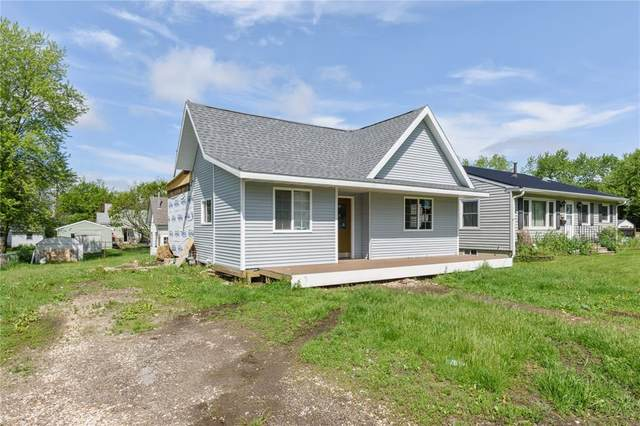 1076 5th Street, Marion, IA 52302 (MLS #2002663) :: The Graf Home Selling Team