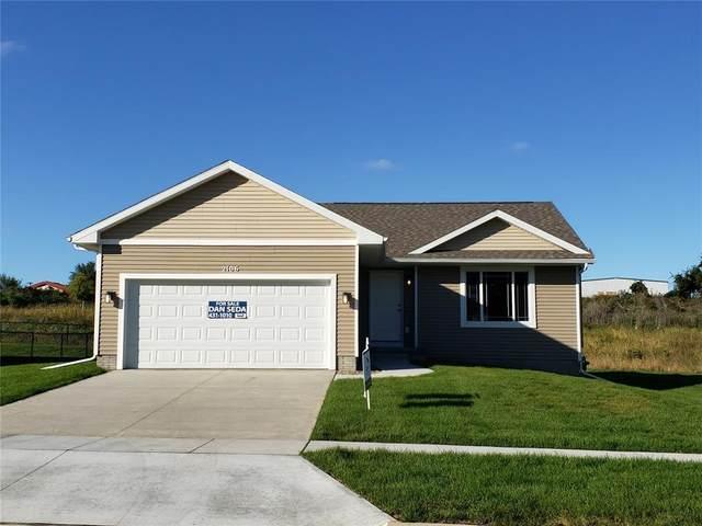 2120 Holly Meadow Avenue SW, Cedar Rapids, IA 52404 (MLS #2003727) :: The Graf Home Selling Team