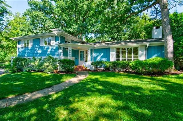 344 Forest Drive SE, Cedar Rapids, IA 52403 (MLS #2005029) :: The Graf Home Selling Team