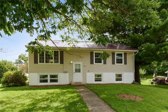 207 N Division Street, Anamosa, IA 52205 (MLS #2005194) :: The Graf Home Selling Team