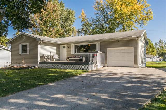 518 Green, Solon, IA 52333 (MLS #2007090) :: The Graf Home Selling Team
