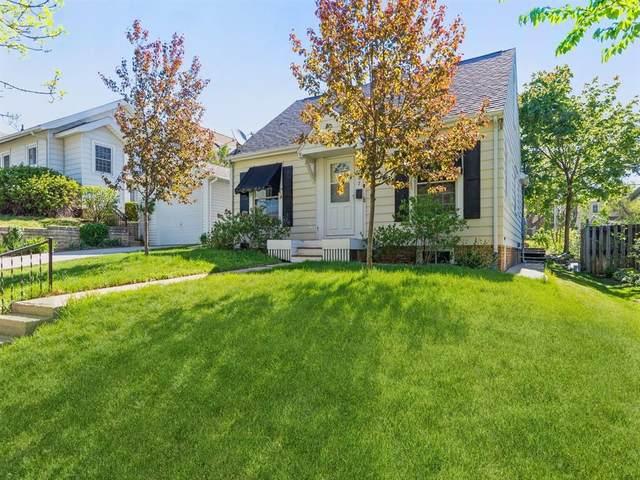 2127 E Avenue NE, Cedar Rapids, IA 52402 (MLS #2103002) :: The Graf Home Selling Team