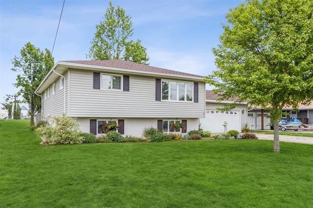 510 Linn Street, Fairfax, IA 52228 (MLS #2105976) :: The Graf Home Selling Team