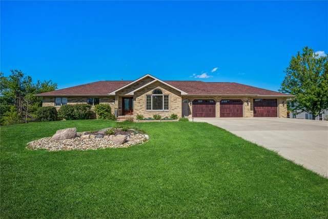3323 Chester Road, Cedar Rapids, IA 52411 (MLS #2106366) :: The Graf Home Selling Team