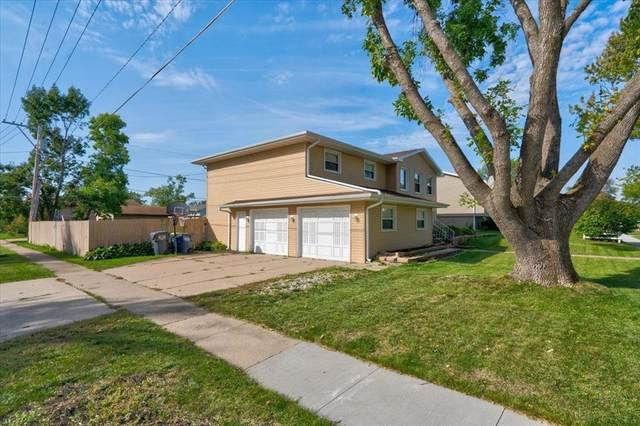1205 Eisenhower, Hiawatha, IA 52233 (MLS #2106606) :: The Graf Home Selling Team