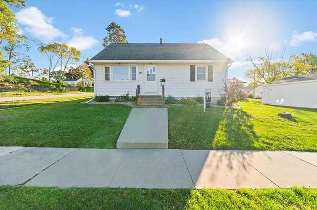 285 South 15th Street, Marion, IA 52302 (MLS #2107084) :: The Graf Home Selling Team