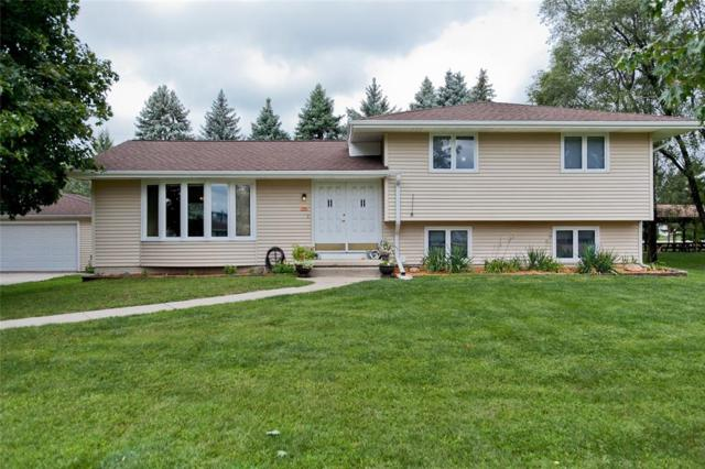 730 Kainz Drive, Hiawatha, IA 52233 (MLS #1805560) :: The Graf Home Selling Team