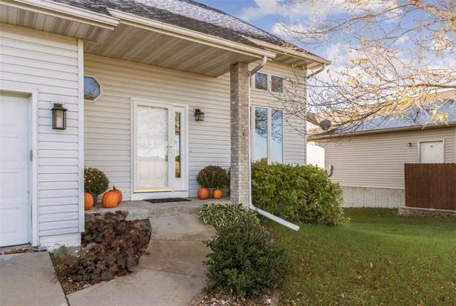 415 Sheffield Drive NE, Cedar Rapids, IA 52402 (MLS #1906915) :: The Graf Home Selling Team