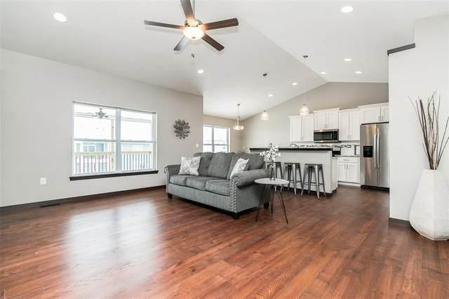 819 Heartland Court, Fairfax, IA 52228 (MLS #1908858) :: The Graf Home Selling Team