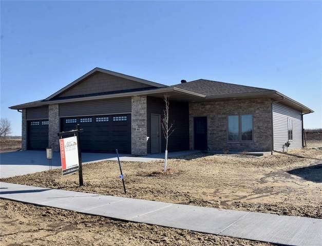 802 Windam Drive, Solon, IA 52333 (MLS #2100731) :: The Graf Home Selling Team