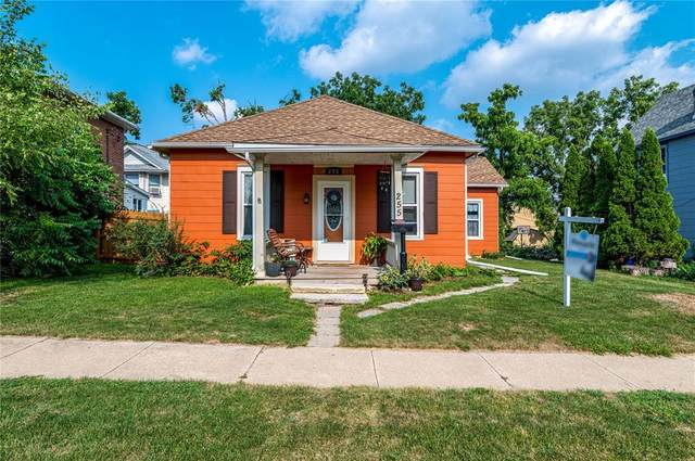 255 11th St, Marion, IA 52302 (MLS #2105110) :: The Graf Home Selling Team